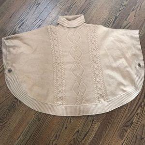 Gap cable knit poncho, size M/L